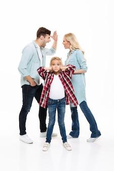 Retrato de cuerpo entero de una familia que tiene y argumento