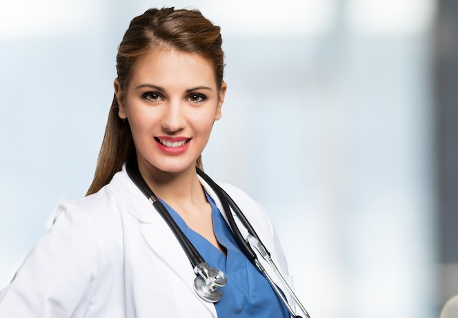 Retrato de doctor sonriente