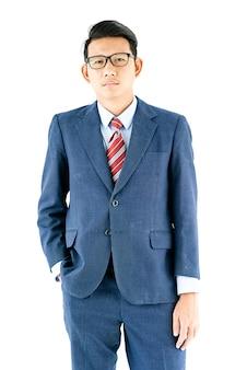 Retrato de hombre de negocios en traje y gafas de desgaste