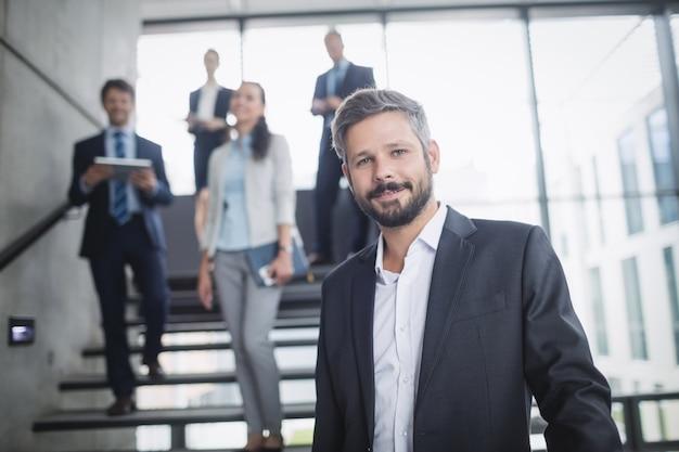 Retrato de un empresario seguro