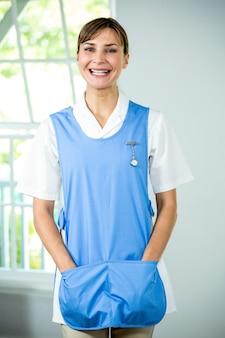 Retrato de enfermera feliz