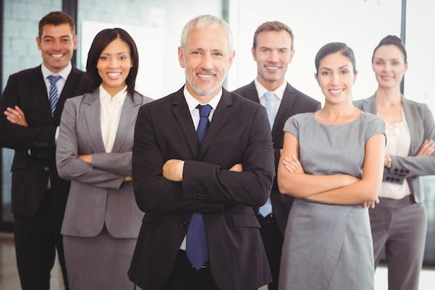 Retrato de equipo de negocios seguro