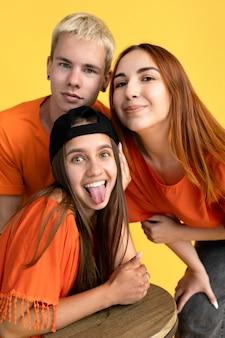 Retrato de estudio de adolescentes
