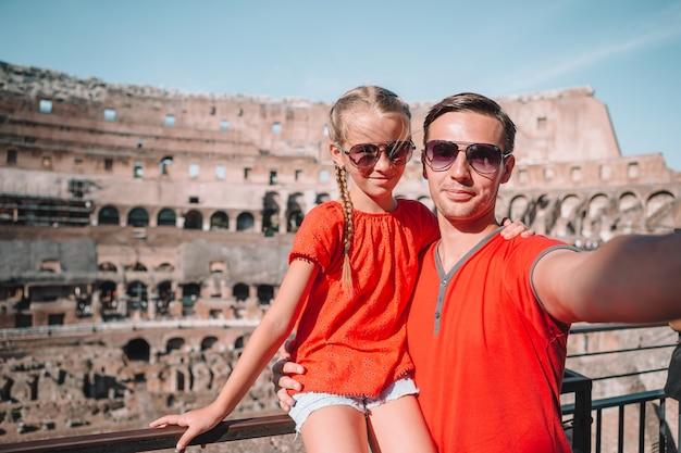 Retrato familiar en lugares famosos de europa