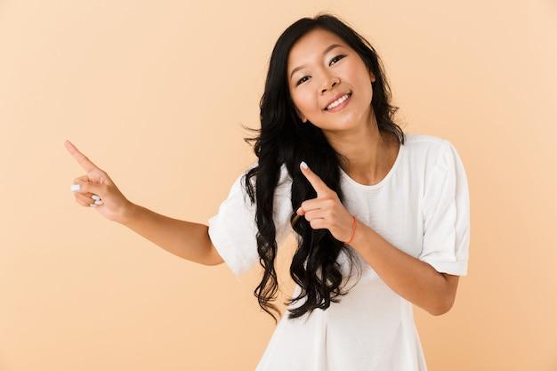 Retrato, de, un, feliz, joven, mujer asiática
