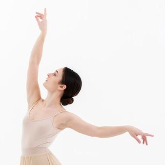 Retrato de hermosa bailarina de ballet