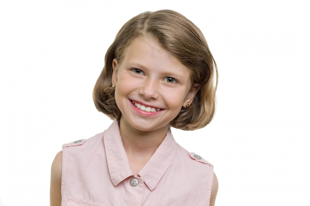 Retrato de una hermosa niña de siete años