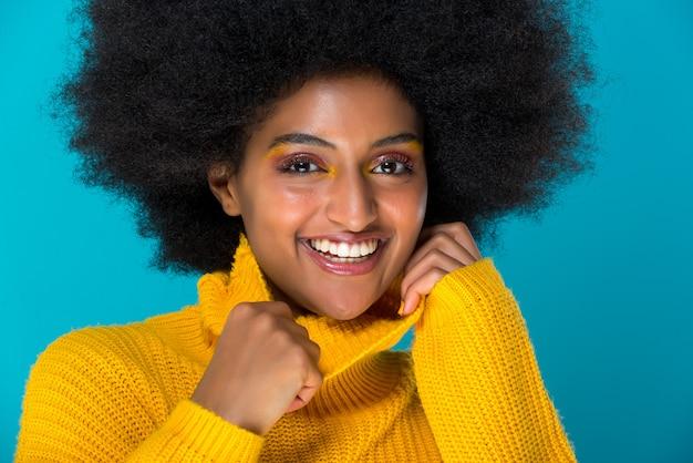 Retrato hermoso de la mujer africana