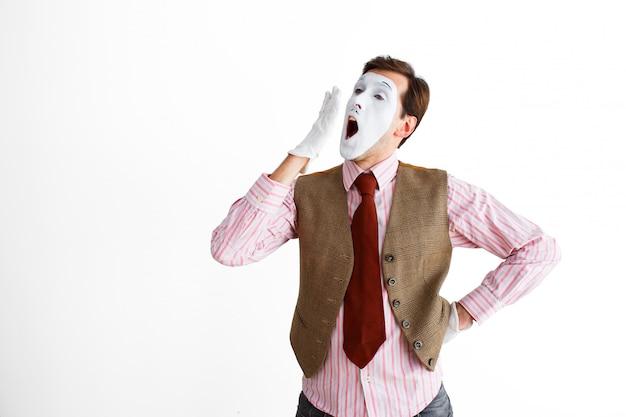 Retrato de hombre, actor, pantomima, hombre haciendo un gesto de rango.