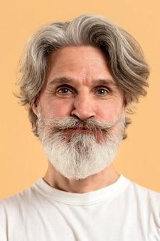 Retrato de hombre senior