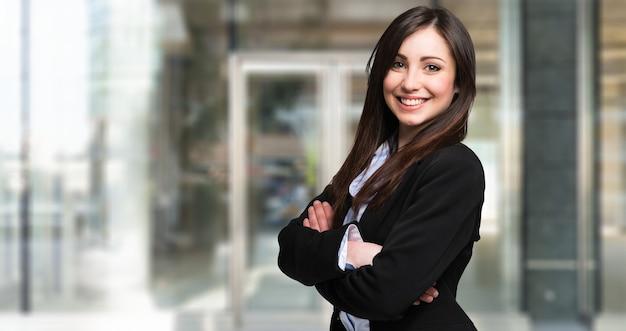 Retrato de una joven empresaria hermosa
