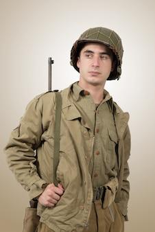 Retrato de joven soldado estadounidense, ww2
