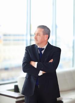 Retrato, de, un, maduro, hombre de negocios Foto Premium