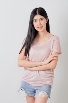 Retrato de muchacha asiática atractiva