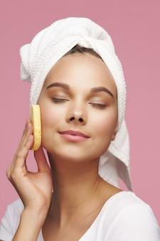Retrato de mujer, concepto de cuidado de la piel