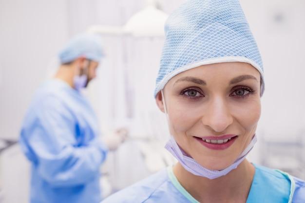 Retrato de mujer dentista