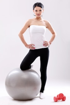 Retrato de una mujer haciendo pilates