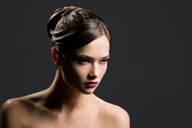 Retrato de una mujer hermosa