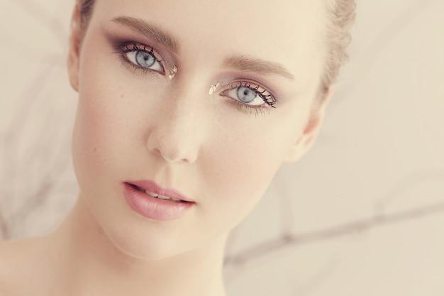 Retrato de mujer hermosa
