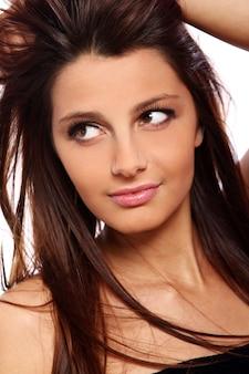 Retrato de mujer joven y bella