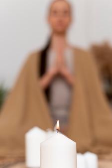 Retrato, mujer, meditar