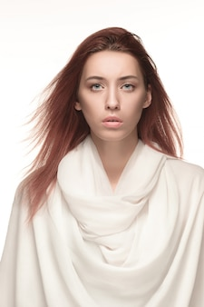 Retrato de mujer de moda. hermosa modelo.