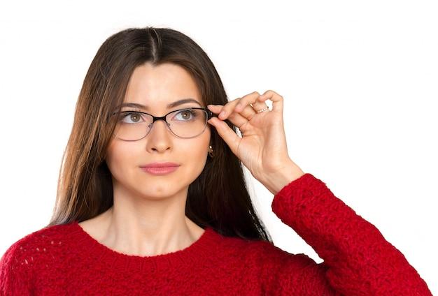 Retrato de mujer de negocios joven sonriente feliz en gafas