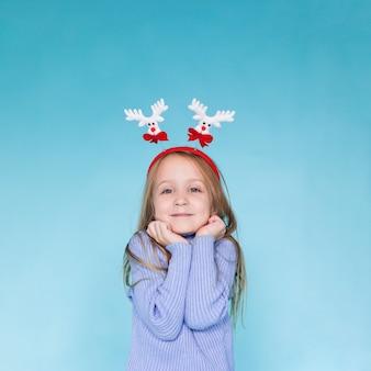 Retrato de niña rubia adorable