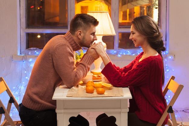 Retrato de pareja romantica