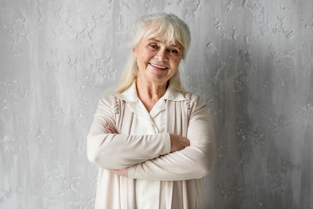 Retrato, sonriente, abuela