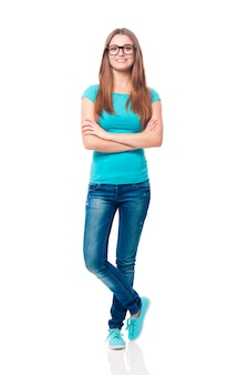 Retrato de sonriente joven estudiante