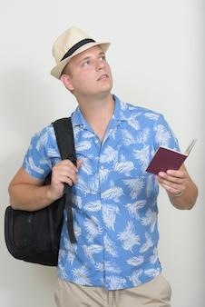 Retrato, de, turista, hombre, con, pelo rubio