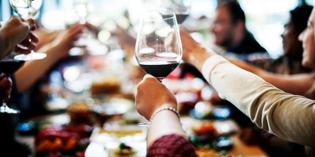 Reunión de negocios comer saludos concepto de felicidad