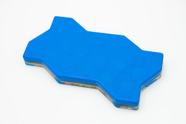 Revestimientos de goma para el suelo fabricados con caucho mezclado con productos químicos.