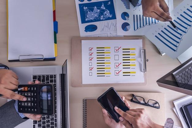 Revisiones en línea tiempo de evaluación para revisión auditoría de evaluación de inspección