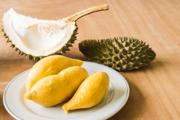 Rey de las frutas, el durián es una fruta tropical popular en los países asiáticos.