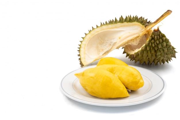 Rey de las frutas, durian sobre fondo blanco