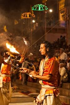 Ritual ganga aarti en varanasi