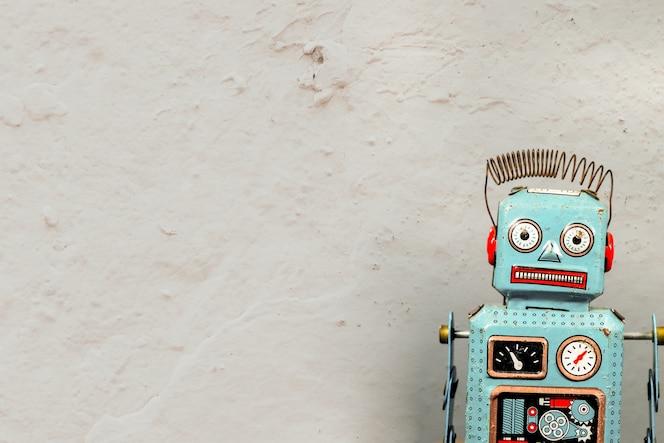 Robot vintage de juguete de estaño