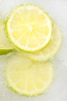 Rodaja de limón congelada