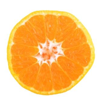 Rodaja de naranja fresca aislada