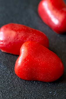 Rodajas de pimiento rojo fresco