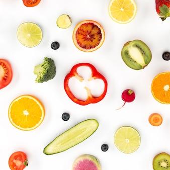 Rodajas de verduras y frutas.