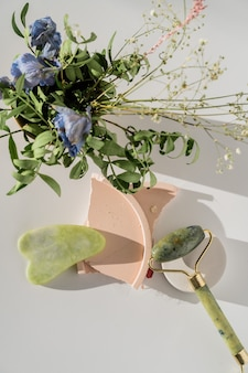 Rodillo de cuarzo facial para masaje facial antienvejecimiento, herramienta de belleza guasha china.
