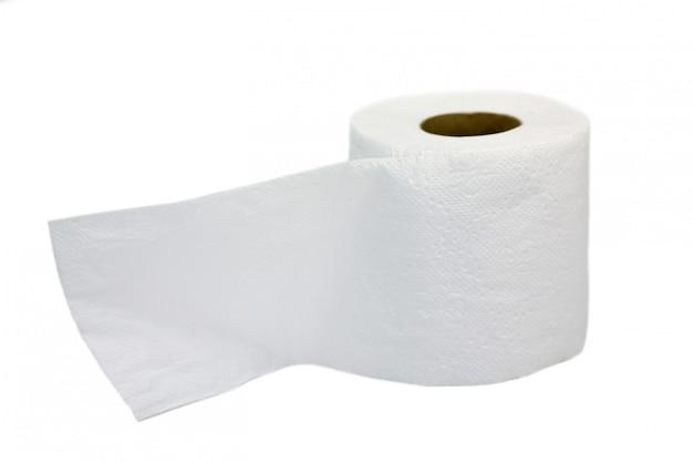 Rollo de papel toalla aislado en blanco