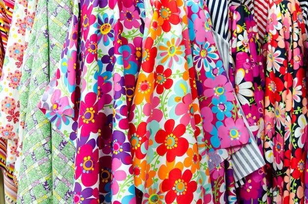 Rollo de tela floral