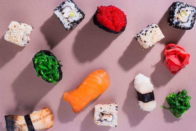 Rollos de sushi para el día de sushi