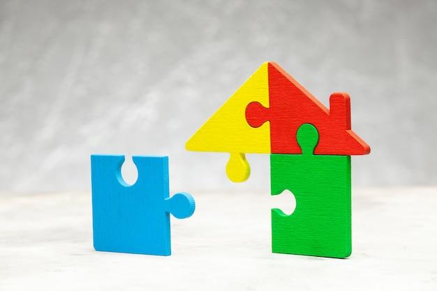 Rompecabezas de viviendas préstamo hipotecario partes de la casa se unen