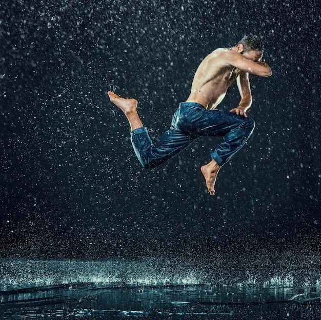 Romper bailarina en agua