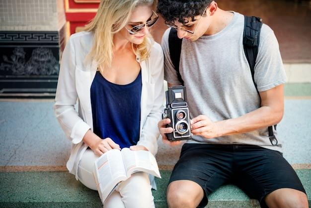 Romper pareja destino explorar la paz concepto de verano